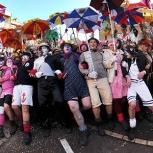 """Une Bande chahutant le """"Carnaval de Dunkerque"""" (c) Denis Chaulard (illustration hors exposition)"""
