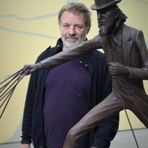 """Tom Frantzen derrière sa scuplture """"Uncle Sam"""" (partie centrale) (c) Jean-Jacques Procureur"""