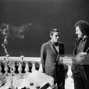 """Sur le Tournage, avec Mort Shuman (C) Ralph Gathy/""""Getty Images"""""""