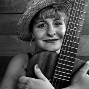"""Habitee par la fievre du Jazz et du Swing, Muriel D Ailleurs nous chante ses """"Nouvelles Aventures"""""""