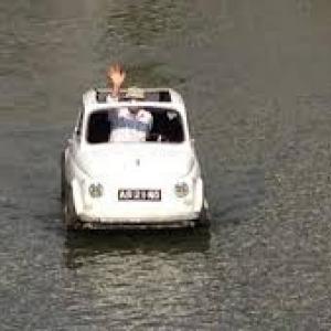 """En Voiture, ... sur l'Eau du Canal (c) """"7 sur 7"""""""
