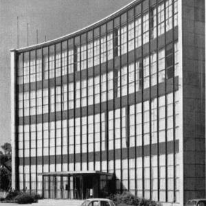 """Mai 1964 : ouverture de la premiere """"Maison de la Culture"""" en Belgique, a Namur, celle de la Province"""