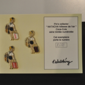 "Trois ""Pins Collector"" presentes par ""Oufti"" (c) Walthery/""Syndicat d Initiative de Jambes"""