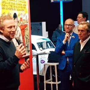 "Philippe Graton presentant Jacky Ickx, au ""Salon de l Auto"" (c) Olivier Bultot"