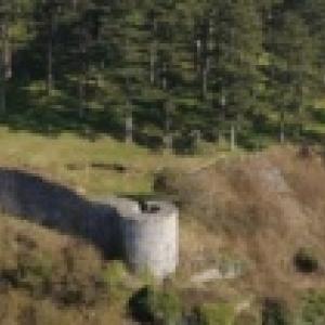 Chateau de Poilvache, la plus vaste forteresse medievale de la Vallee de la Meuse (c) http://www.poilvache.be