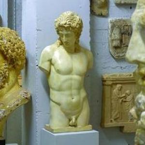 """L impressionnante """"galerie des moulages"""", visitable sur demane (c) """"Musee L"""""""