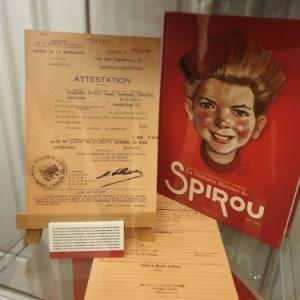 """Vitrine avec """"La veritable Histoire de Spirou"""" (c) """"Dupuis"""""""