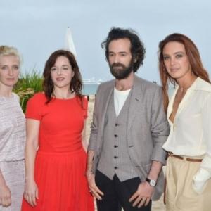 A Cannes, R. Duris, bien entoure (c) « CVS »