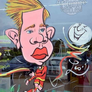 Caricature de Kevin DeBruyn, peinture sur vitre