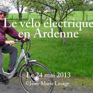 video. Homme de plus de 70 ans sur son velo electrique en Ardenne