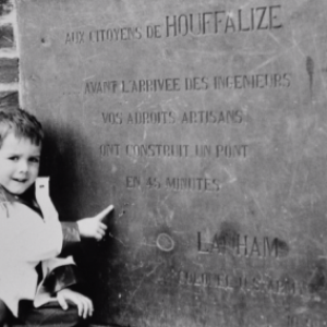 """""""Houffalize se souvient"""" . Pont route de Liege, janvier 1984"""