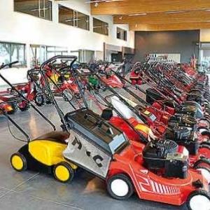 Arnold HOFFMANN : tracteurs - tondeuses