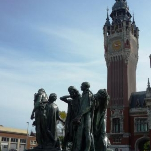 """Calais : """" Les Bourgeois de Calais"""" et le Beffroi en briques"""