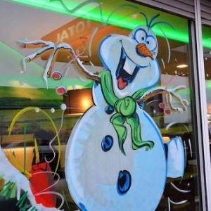gros plan peinture du bonhomme de neige