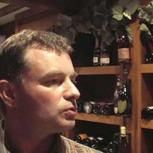 Assortir le fromage au meilleur vin avec la Cave du Roy-video08