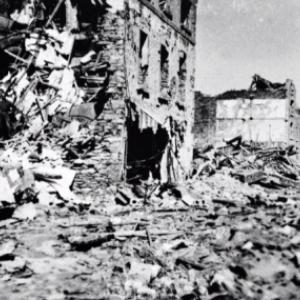 """""""Houffalize se souvient"""" . Route de la Gare 1945"""