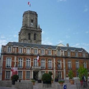 Boulogne sur mer : Hotel de Ville et le beffroi