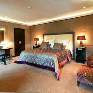 The Grand Place Suite