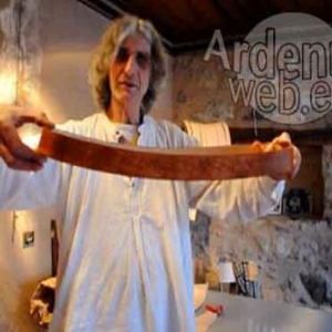 Gaston Sonck travaille le cuir en Alsace
