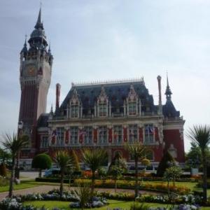 Calais : Son Hotel de ville. Monument classe