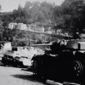 """""""Houffalize se souvient"""". Place de l'Eglise 1945"""