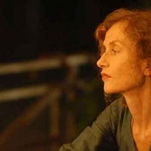 02=Isabelle Huppert porte le film sur ses epaules