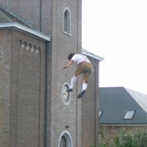 93    Sud Tyrolien acrobate
