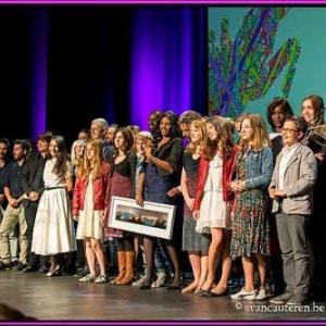 Les laureats et remettants sur la scene du Theatre de Namur