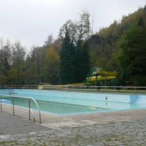 La piscine qui devrait etre couverte