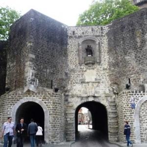 Boulogne sur mer : une des nombreuses Portes de la vieille Ville