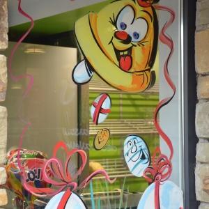 peinture sur vitrine pour de Joyeuses Pâques