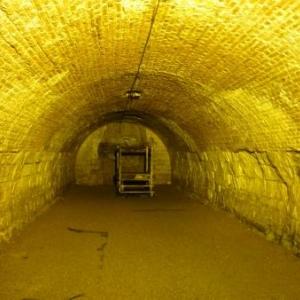 Ardres : Interieur d'un silo a ble