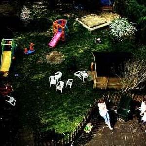 Un des lieux de la pouponniere filmee dans- Les enfants-