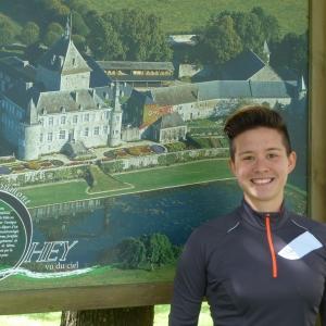 Célie Desmeth et son tour de Belgique avec une brouette