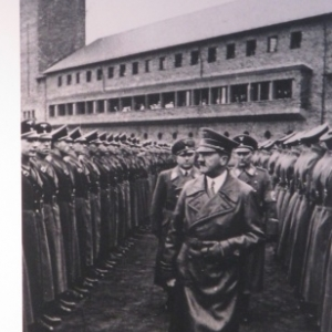 Hitler en visite a Vogelsang