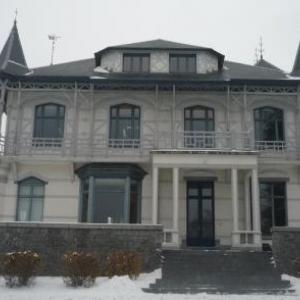 Le Chateau d'Ottomont qui devrait encore heberger les deux survivants de l'epoque Radiolene.