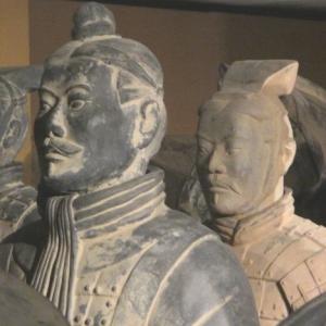 Des statues toutes differentes
