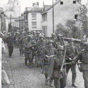 1944  Entrée des troupes allemandes ( pont d'Outrelepont )