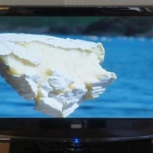 Salvador DALI  ... mes horloges molles sont comme un fromage coulant ...