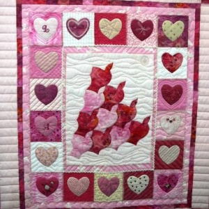 "Betty BONIVER  ( Cours de patchwork / ""Les Arondes )  087 / 64 73 34"