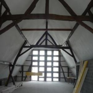 Le 2eme etage en voie d'achevement ( cote facade arriere )