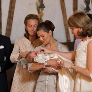 7. Sebastien Comte von Westphalen zu Furstenberg est le parrain de la Princesse Eleonore, fille du Roi Philippe et de la Reine Mathilde de Belgique ( 16.04.2008 ) et baptisee le 14.06.2008 a Ciergnon ( suite en bas de l'article )