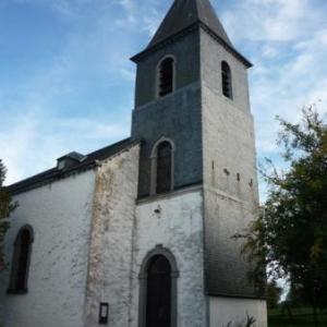 Eglise de Buret, depart de la randonnee