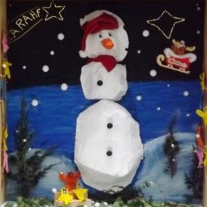 Decoration de la cour interieure du Malmundarium par les eleves des ecoles