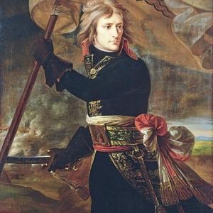 Bonaparte au pont d'Arcole. Dans son Essai général de Tactique, le général de Guibert avait prédit qu'un homme mettrait en pratique ses théories militaires. Cet homme, ce sera Napoléon