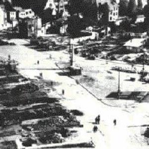 La Place Albert 1er ou l'on remarque l'Obelisque