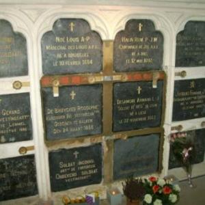 Louis NOE et quelques compagnons de combat dorment a jamais dans la crypte du Fort