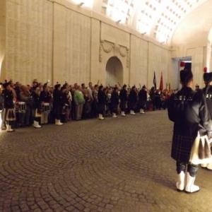 Les cornemuses participent egalement a la ceremonie nocturne