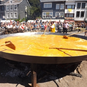 MALMEDY                         10000 œufs pour deux omelettes géantes et … savoureuses !