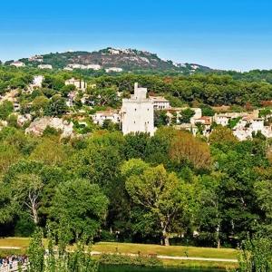 5 Villeneuve - lez - Avignon